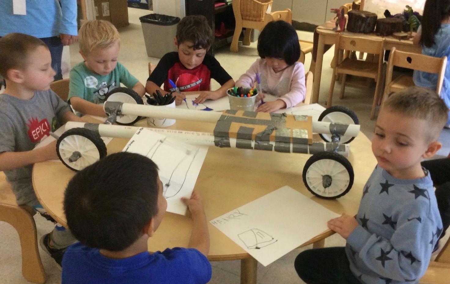 Children began to design for a stronger big car.